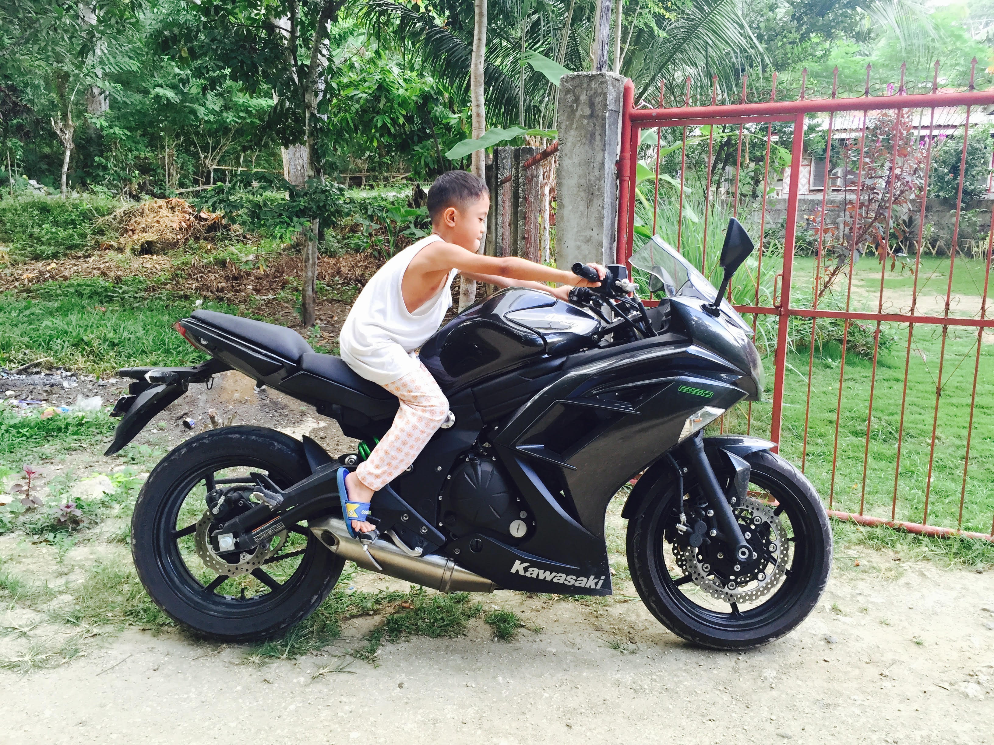 Check it out - motorcycles for rent in Bohol