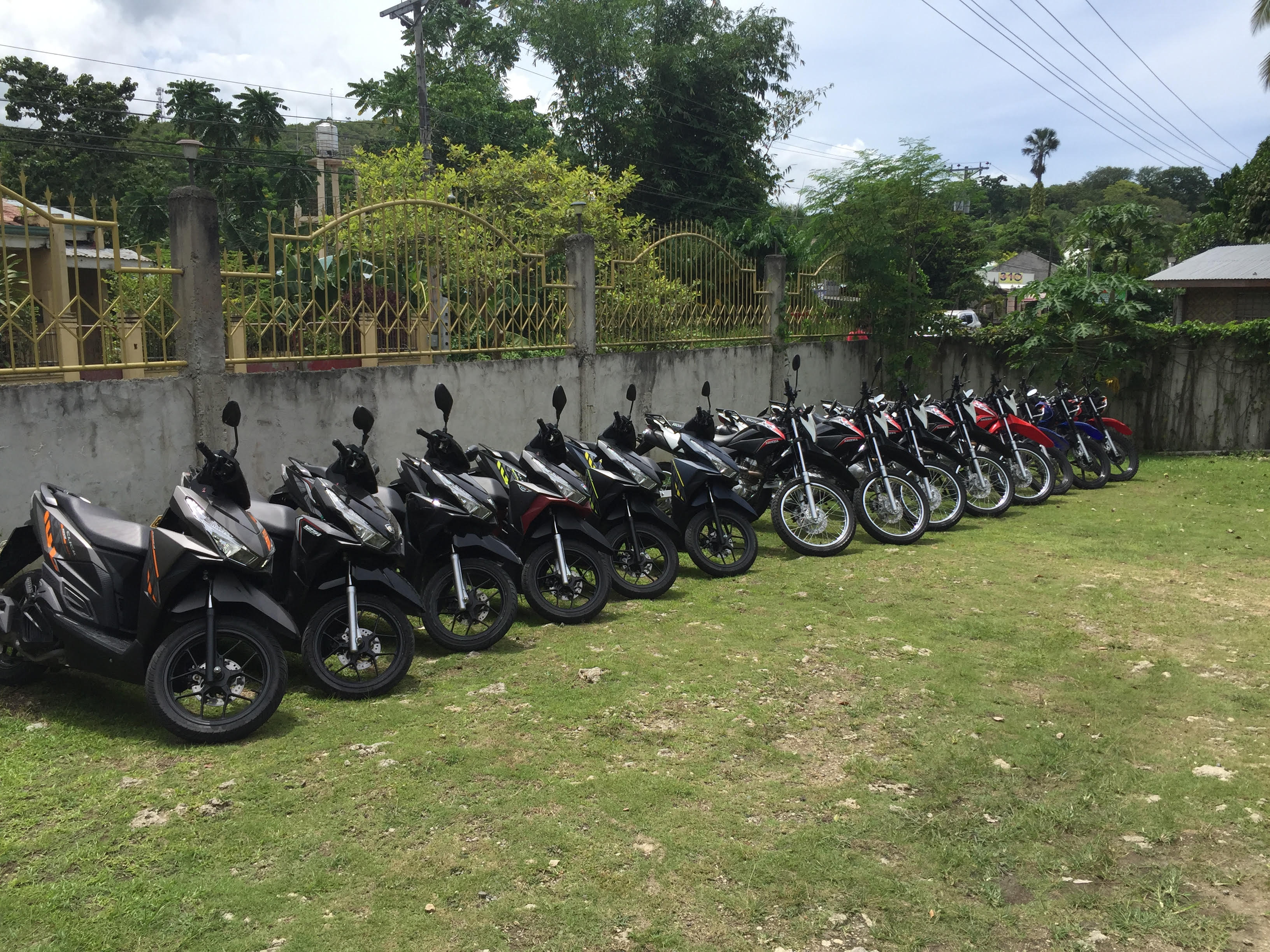 Rent motorcycles and scooters in Bohol