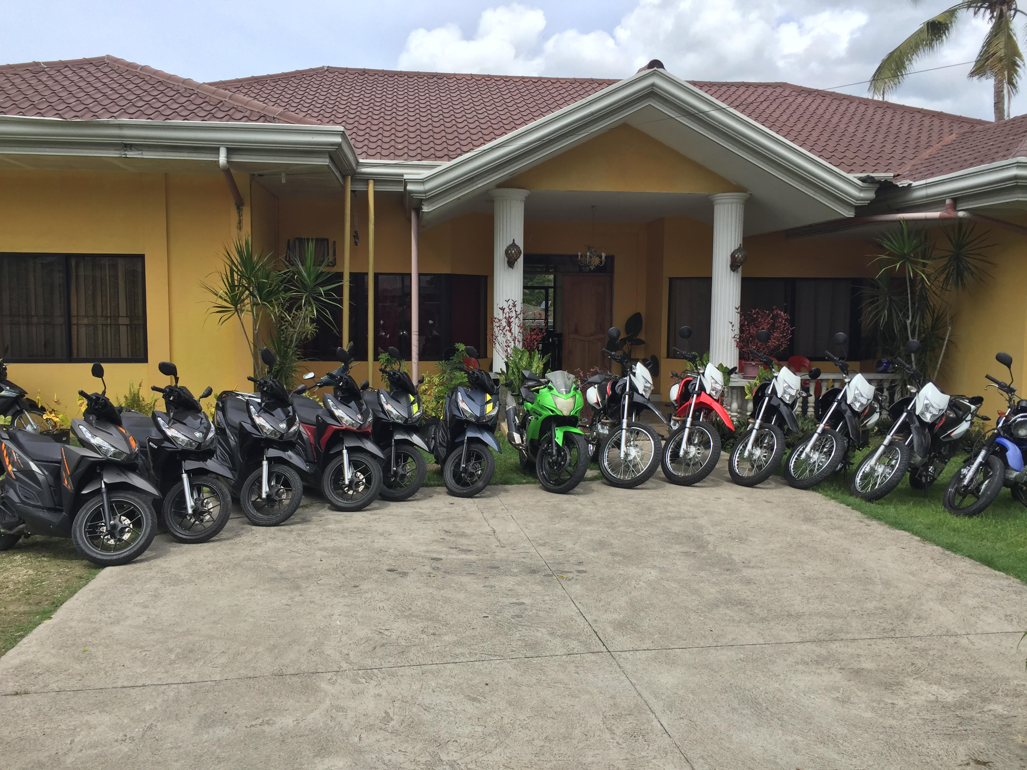 Favorable prices on motorcycle rental Bohol